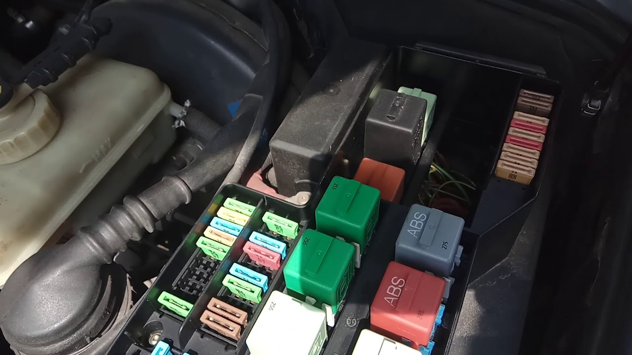 hight resolution of bmw e36 fuse box relay box location bmw e36 coupe 316i 1995 youtube
