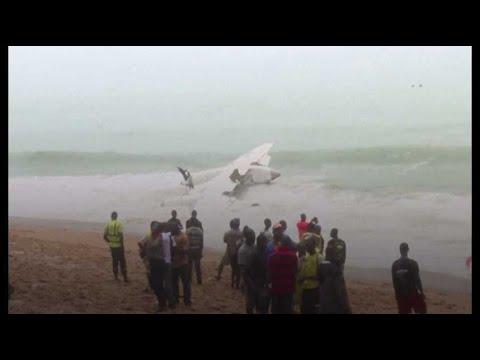 Un avion s'écrase au large d'Abidjan, des Français parmi les blessés