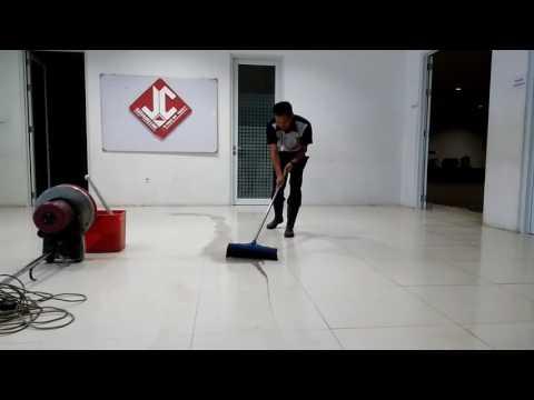 ISS bandung Scrubbing Floor