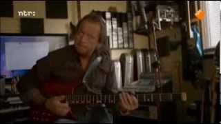Mark King (Level 42) -  Bass Riffs King