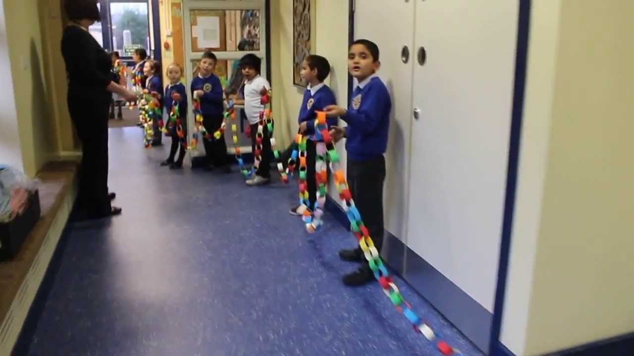 1m longest paper chain in the world