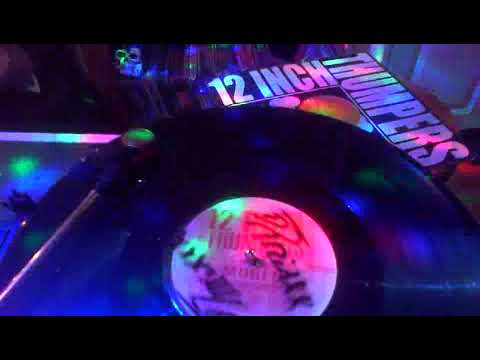 12 Inch Thumpers & Mobi D - Countdown