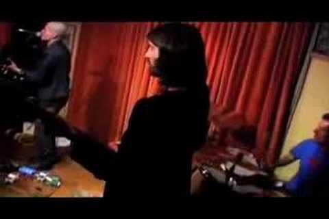 Arthur Yoria - She Looks Like You (Live)