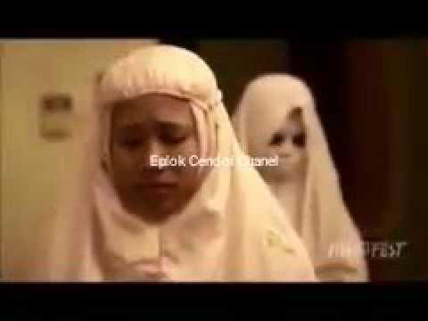 video menyeramkan hantu ikut sholat