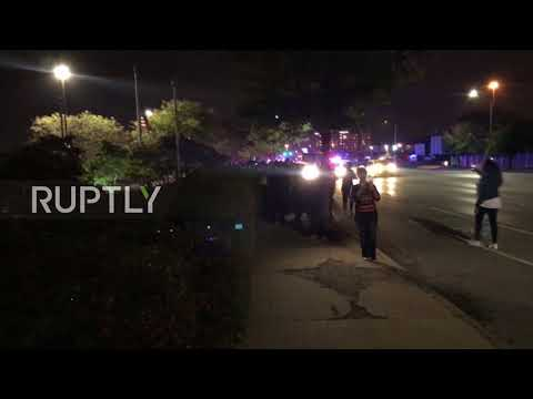 USA: 143 protesters arrested for blocking St Louis highway