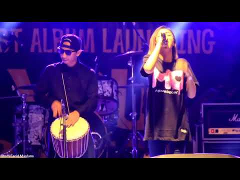 HD Givani Gumilang ¦ Scimmiaska ft  The Corrs   Biarkan Live at Scimmiaska First Album Launching