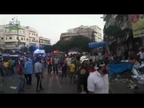 اللحظات الأولى للانفجارات التي وقعت وسط مدينة إدلب