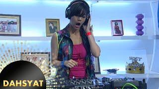 Joget bareng DJ Una opening di Dahsyat [Dahsyat] [25 Nov 2015]