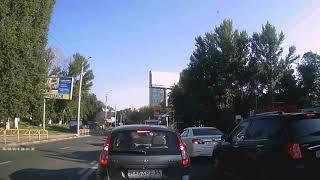 """Водитель """"Лады Приоры"""" объехал пробку на Тракторной по встречке"""