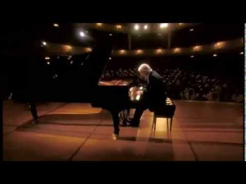 Beethoven | Piano Sonata No. 10 In G Major | Daniel Barenboim