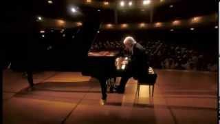 Play Piano Sonata No. 10 in G major, Op. 14/2