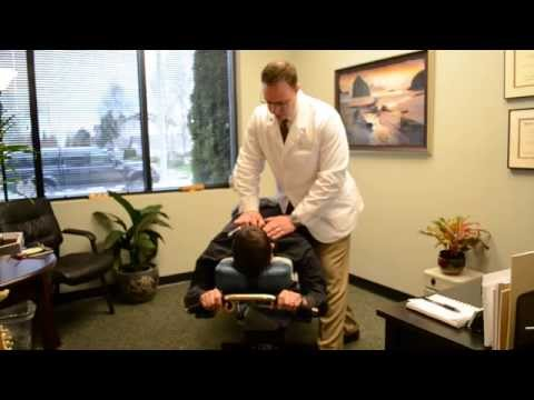 Local Dentist Gets Treatment and Relief From Chronic Neck & Back Pain With Lacey WA Chiropractor
