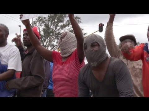 S.African police fire rubber bullets at anti-immigrant march