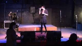Leslie - You Outta Know (Karaoke)