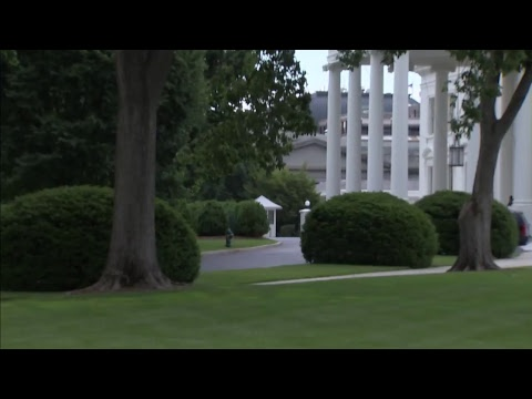 BREAKING: White House put on lockdown for unknown reason.