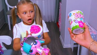 ВЛОГ Ярослава выращивает кукол в горшочках - Видео для детей | Tiki Taki KIds