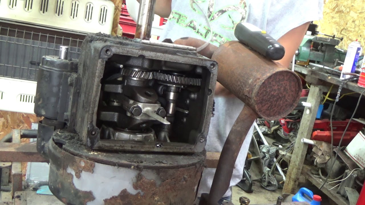 how to replace a Governor Cross Shaft on a K241, K301, K321, K341, K361,  M10, M12, M14, M16