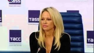 Памела Андерсон рассказала о помощи российским животным