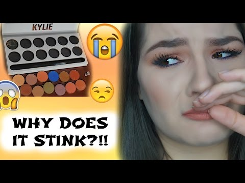 TAKING APART MY SMELLY KYLIE ROYAL PEACH PALETTE | WHY DOES IT STINK?