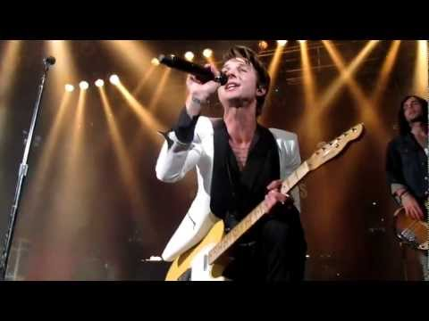 HOT CHELLE RAE - I LIKE TO DANCE - IL2D (LIVE)
