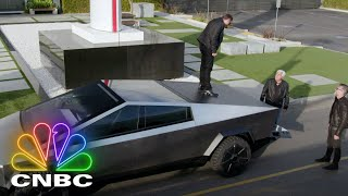 Download ELON MUSK, JAY LENO AND THE 2021 CYBERTRUCK (FULL SEGMENT) | Jay Leno's Garage Mp3 and Videos