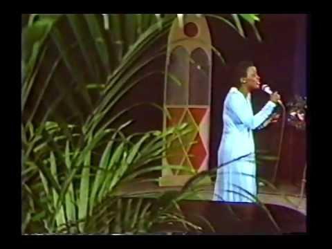 Tramaine Hawkins - Holy One
