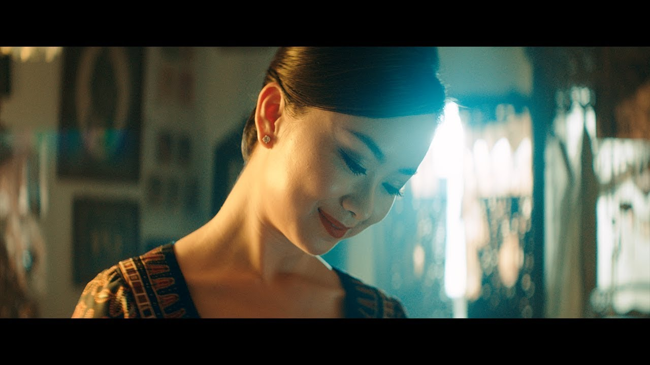 New In Flight Safety Video Singapore Airlines Youtube