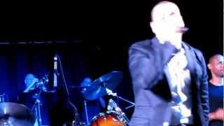 Ella Lo Que Quiere Es Salsa - Victor Manuelle Y Julio Voltio