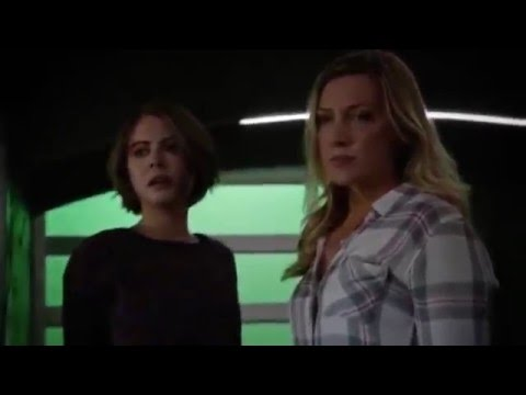 Arrow 4x18 - Thea & Laurel vs Malcolm Merlyn