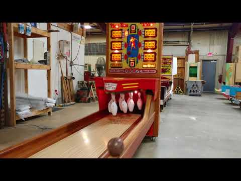1958 United Playtime Big Ball Bowler Bowling Machine 16'