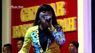 Download Lagu Via Vallen - Kalung Emas (Live De' Tjolomadoe Solo) mp3