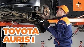 Come sostituire un braccio oscillante anteriore su TOYOTA AURIS 1 TUTORIAL | AUTODOC