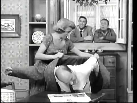THE GEORGE BURNS and GRACIE ALLEN SHOW    Two thieves pose as Gracie's cousins  3rd Season )