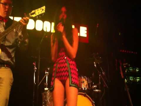 Eliza Doolittle - Police Car live @Nouveau Casino