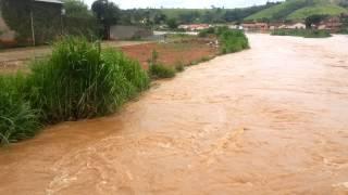 Enchente em Santana da Vargem - MG -  26/01/2013