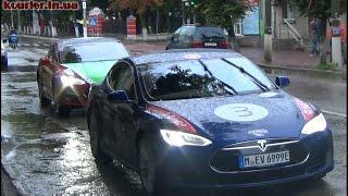 видео Электрический автобус, который сможет ездить над автомобилями, проходит тестирование в Китае