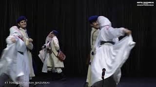 41 Forum Humanum Mazurkas - zespół    w tańcu