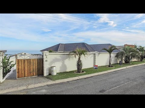 6 Bedroom House for sale in Eastern Cape   East London To The Wild Coast   East London   