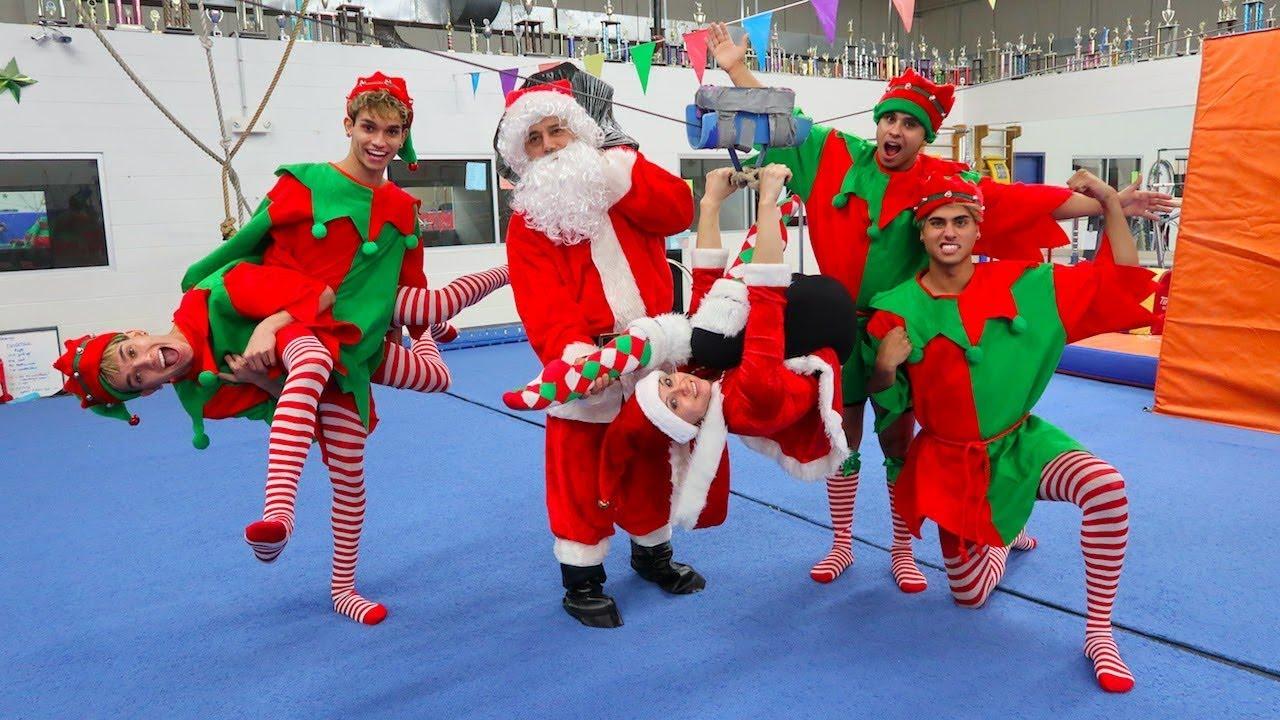 funny-christmas-gymnastics
