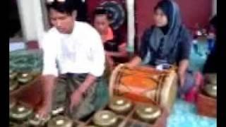 Download lagu cucu10 004.3gp Caklempong Ns traditional music.