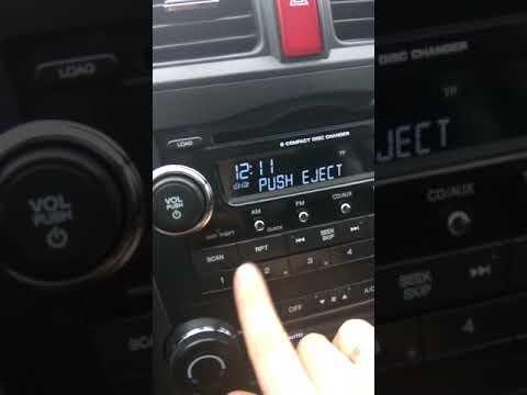 Не выходят диски с магнитолы Хонда црв 2008
