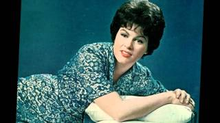Watch Patsy Cline The Heart You Break May Be Your Own video