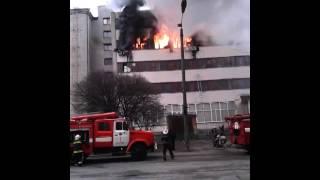 Видео очевидцев: пожар на