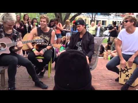 5 Seconds Of Summer Perform Heartbreak Girl in Adelaide ( Live Acoustic Performance )
