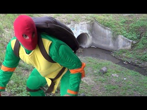 Las Tortugas Ninja VS Dinosaurio y El Robot / Manito y Maskarin