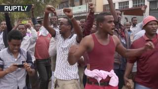 Violence erupts in S  Africa as police clash with anti immigrant demonstrators