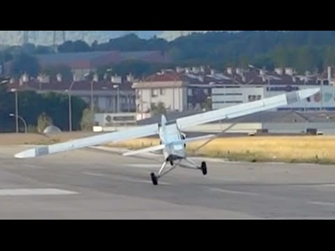 Extreme Takeoff Piper PA-18-150 Super Cub - Sabadell Airport
