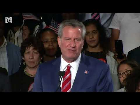 New York Mayor de Blasio wins re-election