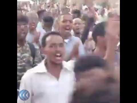 قناة الغد:شاهد.. مظاهرات وسط الخرطوم وأماكن متفرقه مطالبة بالمدنية ومحاسبة المتورطين في أعمال العنف