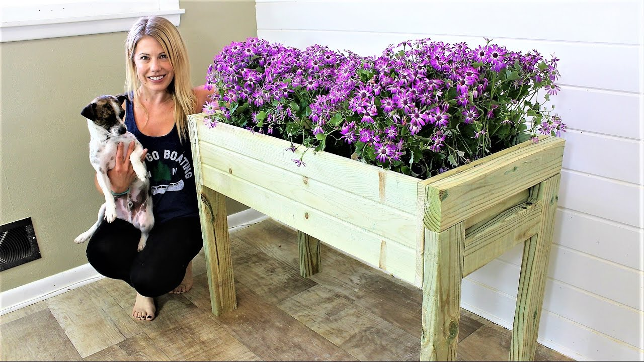 the elevated planter box easy diy project youtube. Black Bedroom Furniture Sets. Home Design Ideas